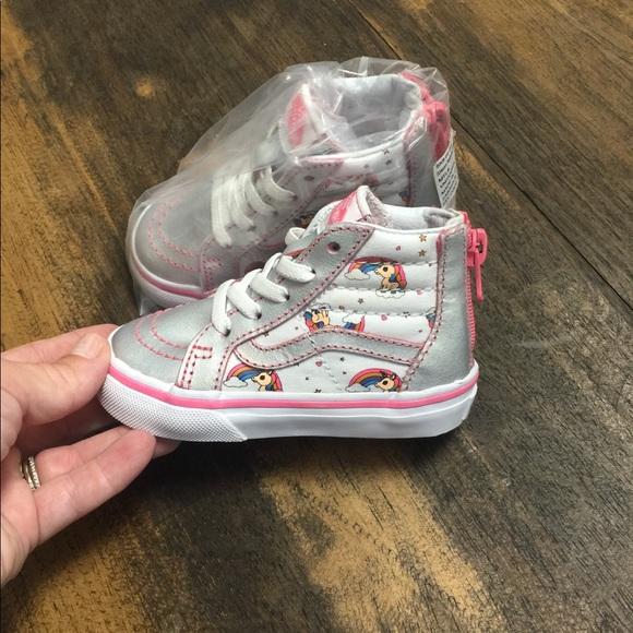 33894b32dcb Super cute Vans Sk-8 high tops silver unicorns sz5
